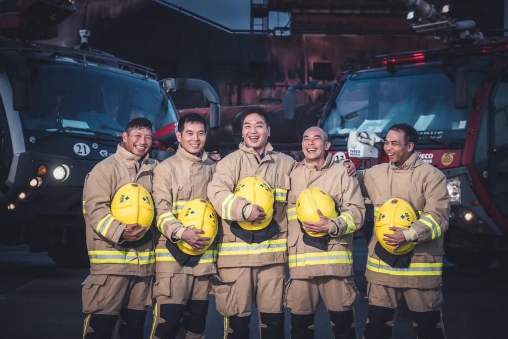 機場消防隊隊員關係密切,除了日常工作,還會經常一起做運動,早已培養出良好默契及感情。