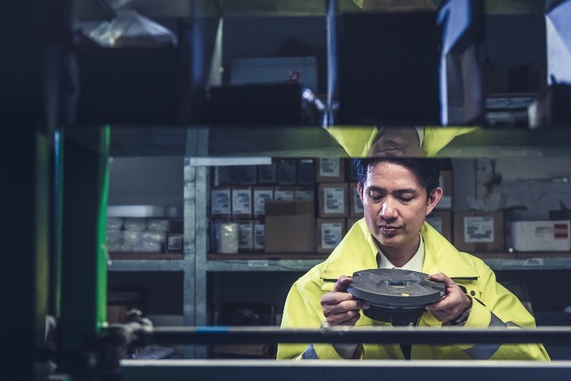 位於機場跑道尾端的工場,是日常進行跑道燈維修及測試工作的地方。