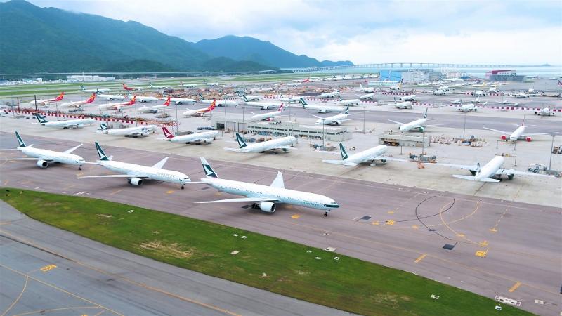 機管局與航空公司已共同制定安全應變計劃,及早為風季作充分準備。