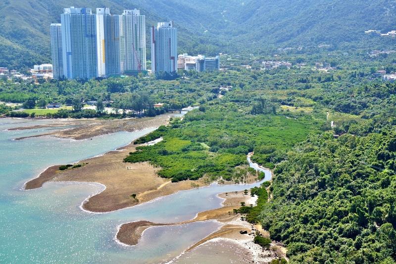 「賞‧識東涌河」項目是其中一個獲得「香港國際機場環保基金」撥款支持的項目,並於上月踏入第二階段,研究東涌河流域的恆常生態資源及監察水質。(相片由綠色力量提供)